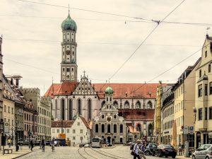 Augsburg - in der Stadt der Augsburger Puppenkiste sind auch unsere Detektive für Sie im Einsatz. Als Detektei Augsburg * übernehmen wir in Augsburg und Umgebung.